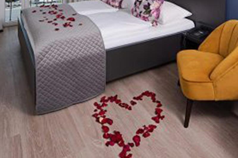 Bellevue room romantic